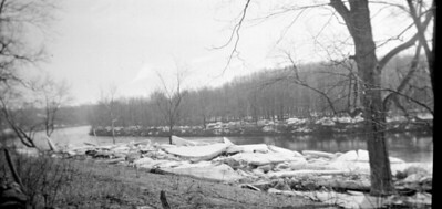 259 Ice on the Quinebaug 1934 Winter024