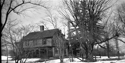 Ebeneezer Grosvenor Inn North Side of Rt 44 CA 1930